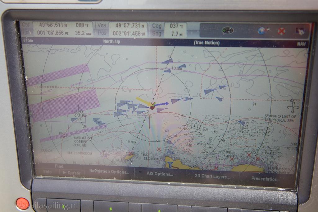Oversteken van de drukke shipping lane