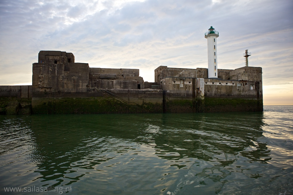 Vuurtoren bij de ingang van Boulogne sur Mer