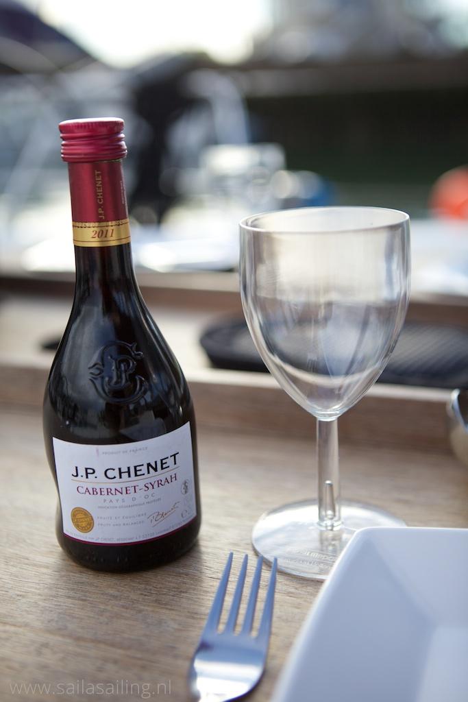 Wijntje bij het avondeten