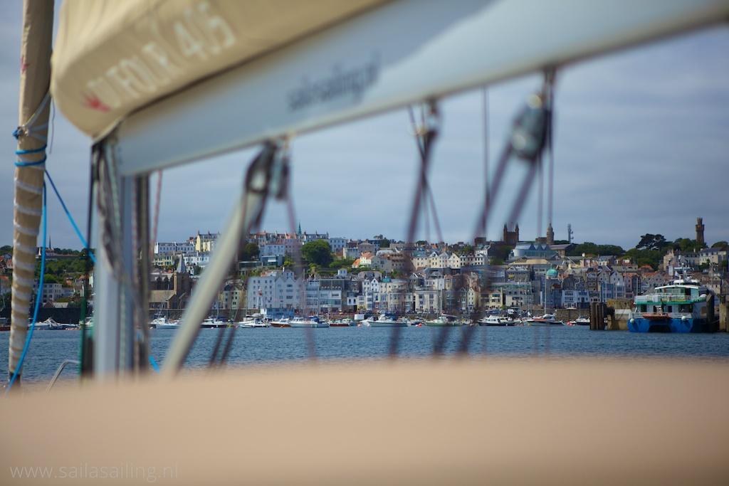 De prachtige aanblik van St. Peter Port